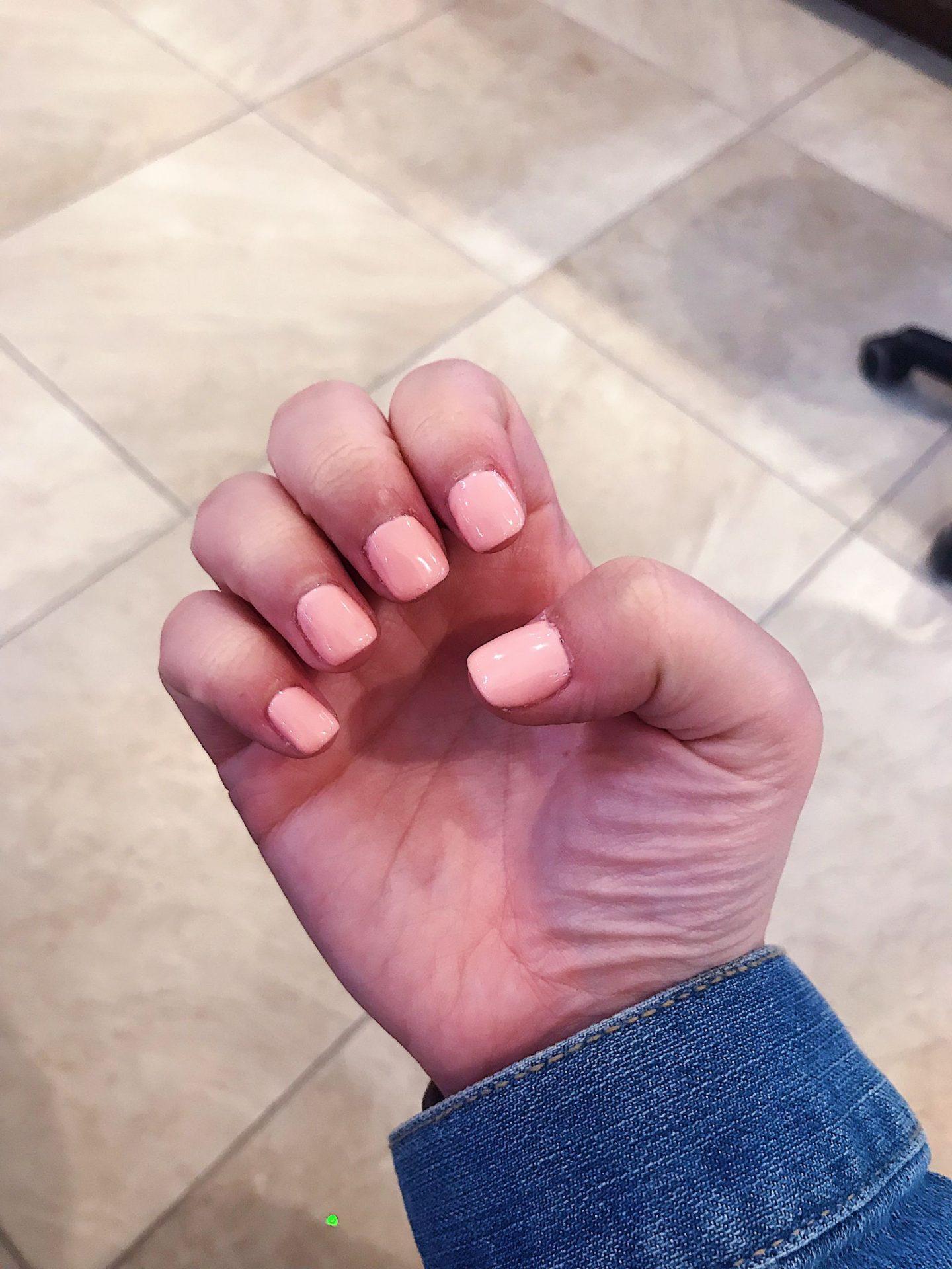 Peachy Keen gel nails