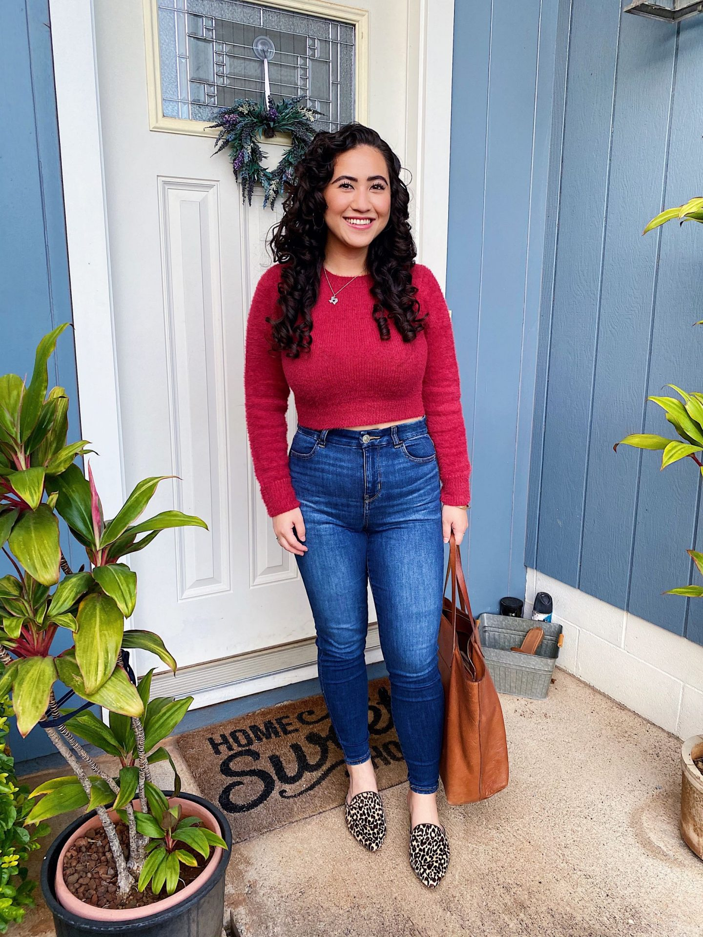 The perfect cropped red sweater
